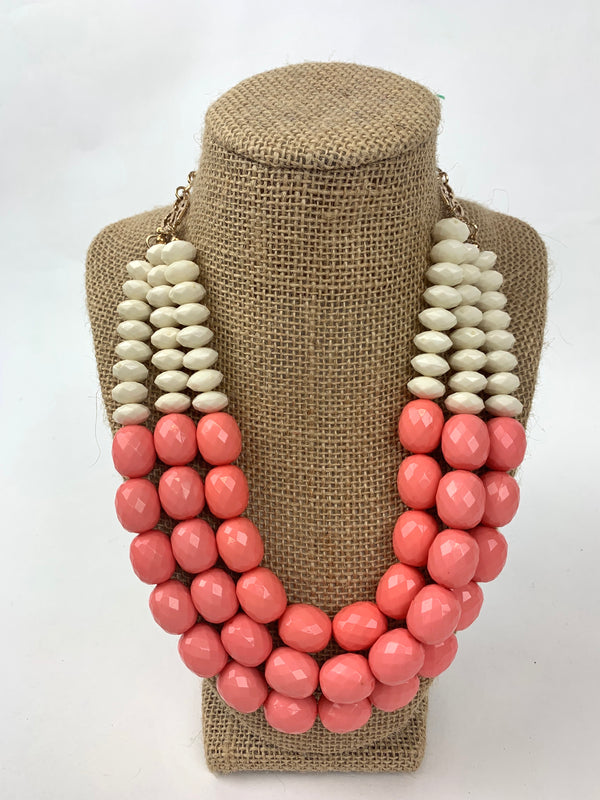 TRIPLED LAYERED NECKLACE W/ CREAM + PEACH BEADS