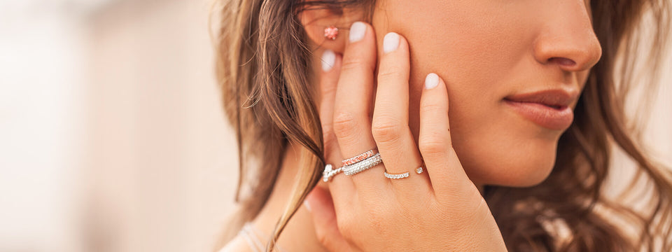 Create the Perfect Layered Look with the Conflict-Free Bling of Lab-Grown Diamonds.