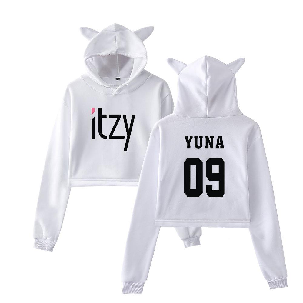 ITZY CROP TOP Z KAPTUREM