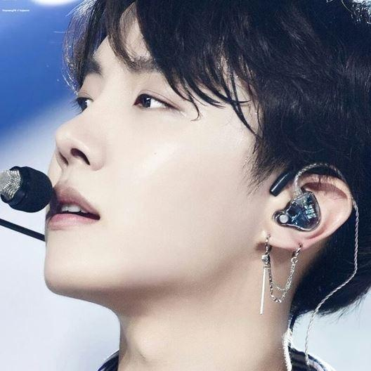 BTS BANGTAN BOYS J-HOPE CHAIN EARRINGS