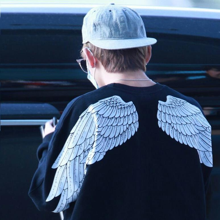 BTS BANGTAN BOYS WINGS PRINT V TAEHYUNG SWEATER