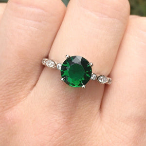 Load image into Gallery viewer, Esme Emerald Solitaire Ring