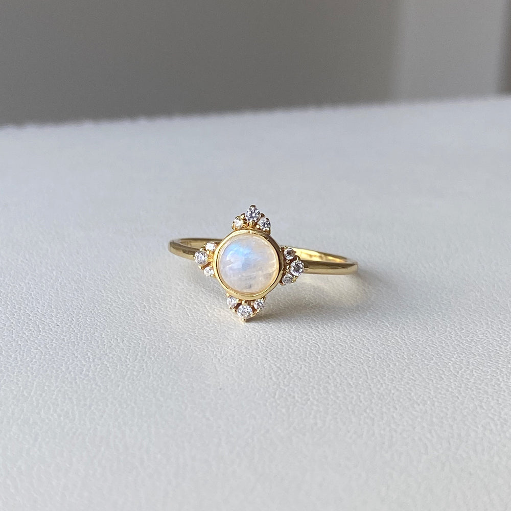 Load image into Gallery viewer, Astrid Moonstone Ring