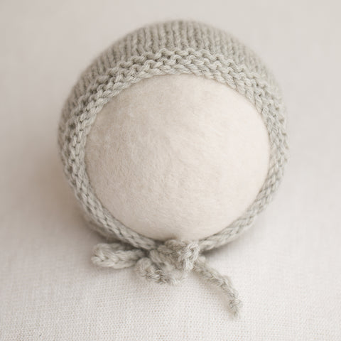 Newborn Knitted Bonnet - Pearl Grey 9020