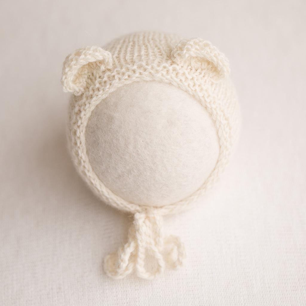 Newborn Prop Knitted Bear Bonnet- Off White