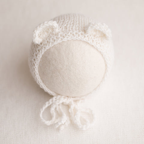 Newborn Prop Knitted Bear Bonnet- White