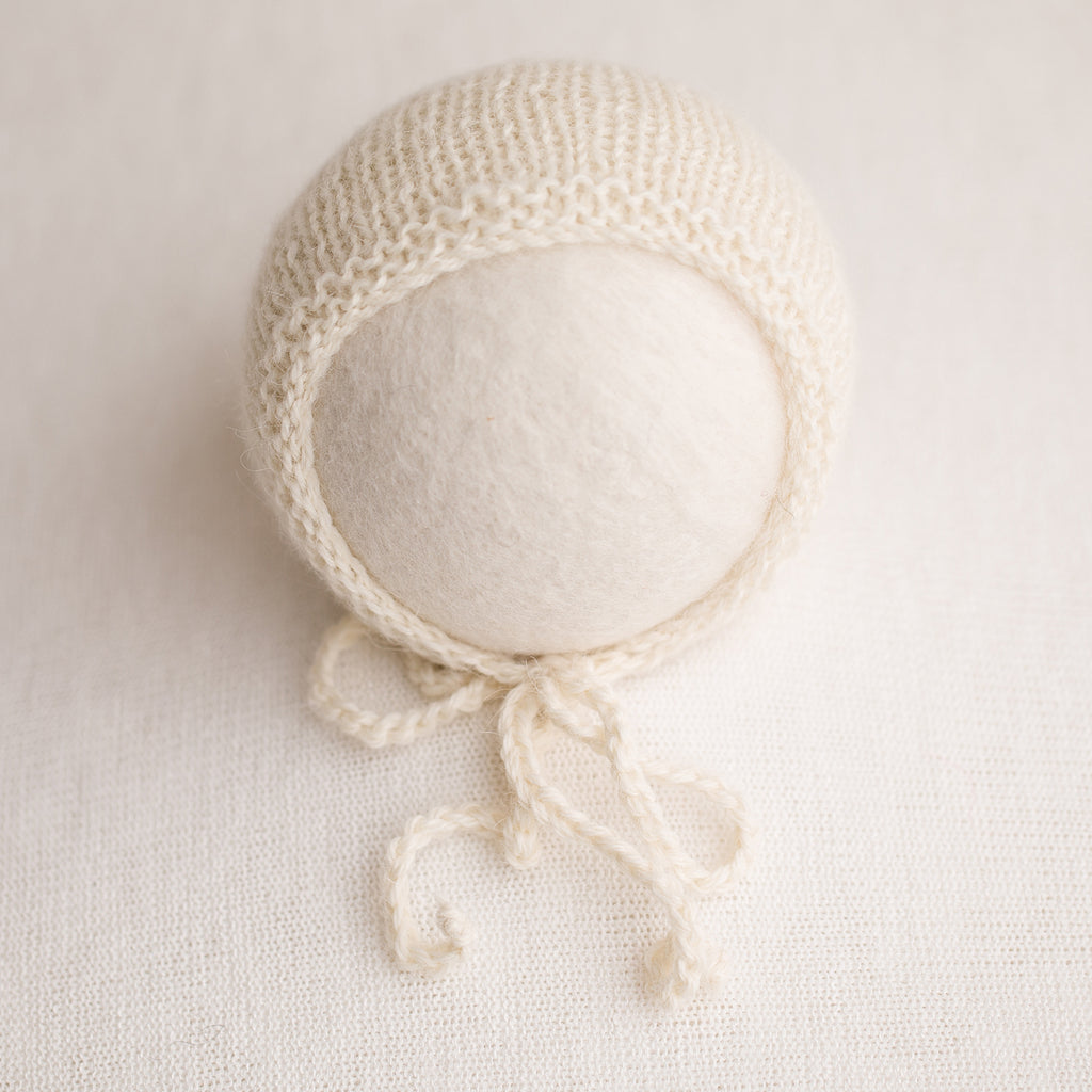Newborn Prop Knitted Bonnet- Off White