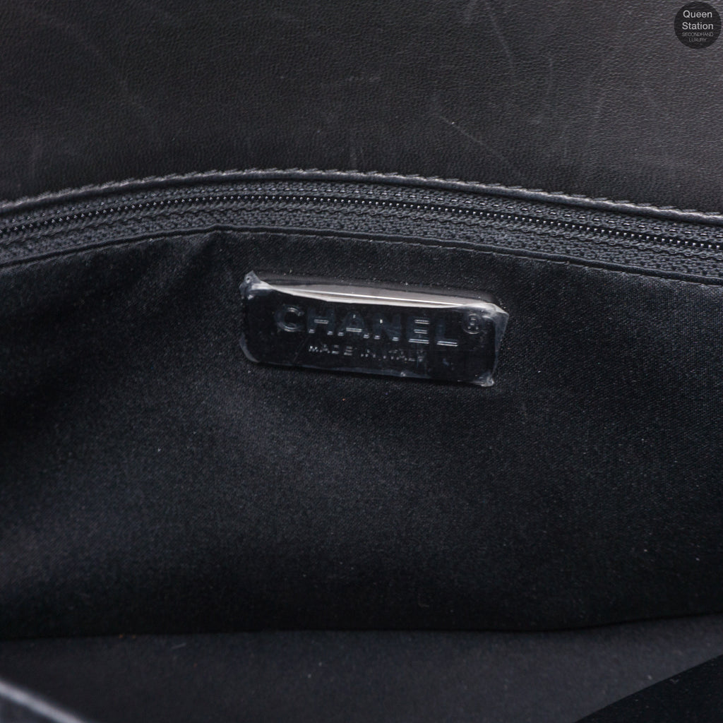 3b49c8586e56 Westminster Pearl Flap Bag – Queen Station