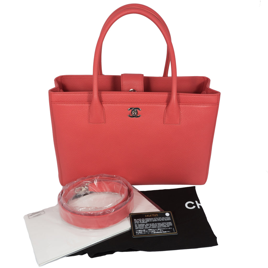 71b4bdc10271 Executive Cerf Coral Pink Leather Tote – Queen Station