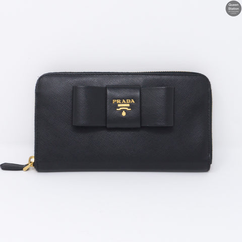 Black Saffiano Bow Zip Wallet