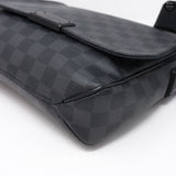District PM Damier Graphite