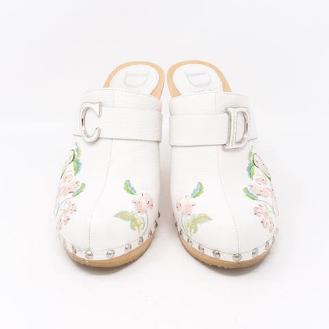 White Embroidery High Heels