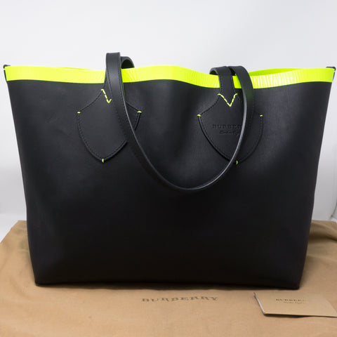 Giant Check Reversible Tote Black
