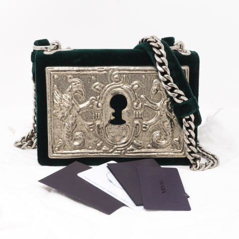 Cahier Small Lock Trunk Green Velvet