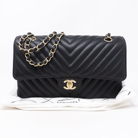 Classic Double Flap Medium Chevron Black Gold