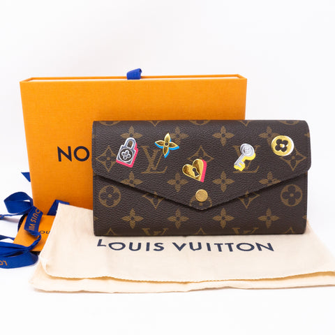 Sarah Wallet Monogram Love Lock