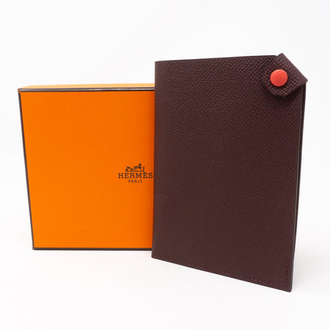Tarmac Dot Passport Holder Bordeaux