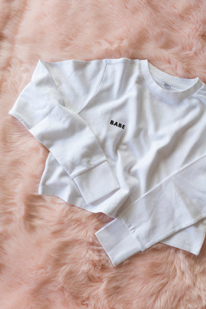 BABE CROPPED SWEATER WHITE