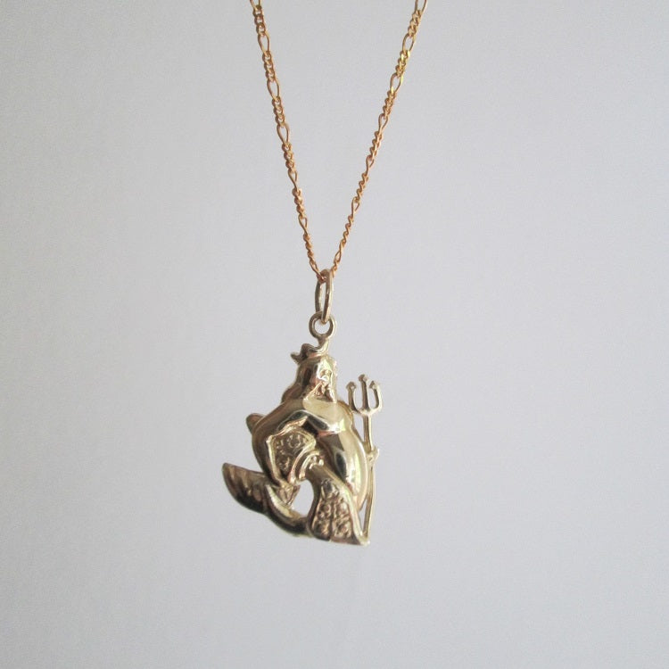 Aquarius zodiac pendant necklace gold