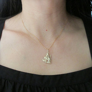Aquarius Zodiac Necklace in 9ct Gold - Sparkly Dolls