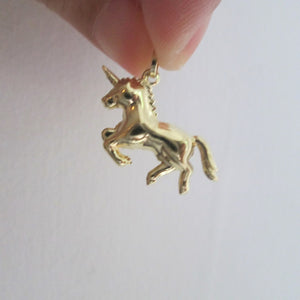 unicorn pendant gold