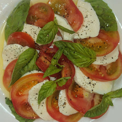 Caprese Salad with best Extra Virgin Olive Oil from Italy - Sommariva - medEATerraneo - Olio Arke - Tomato Mozzarella