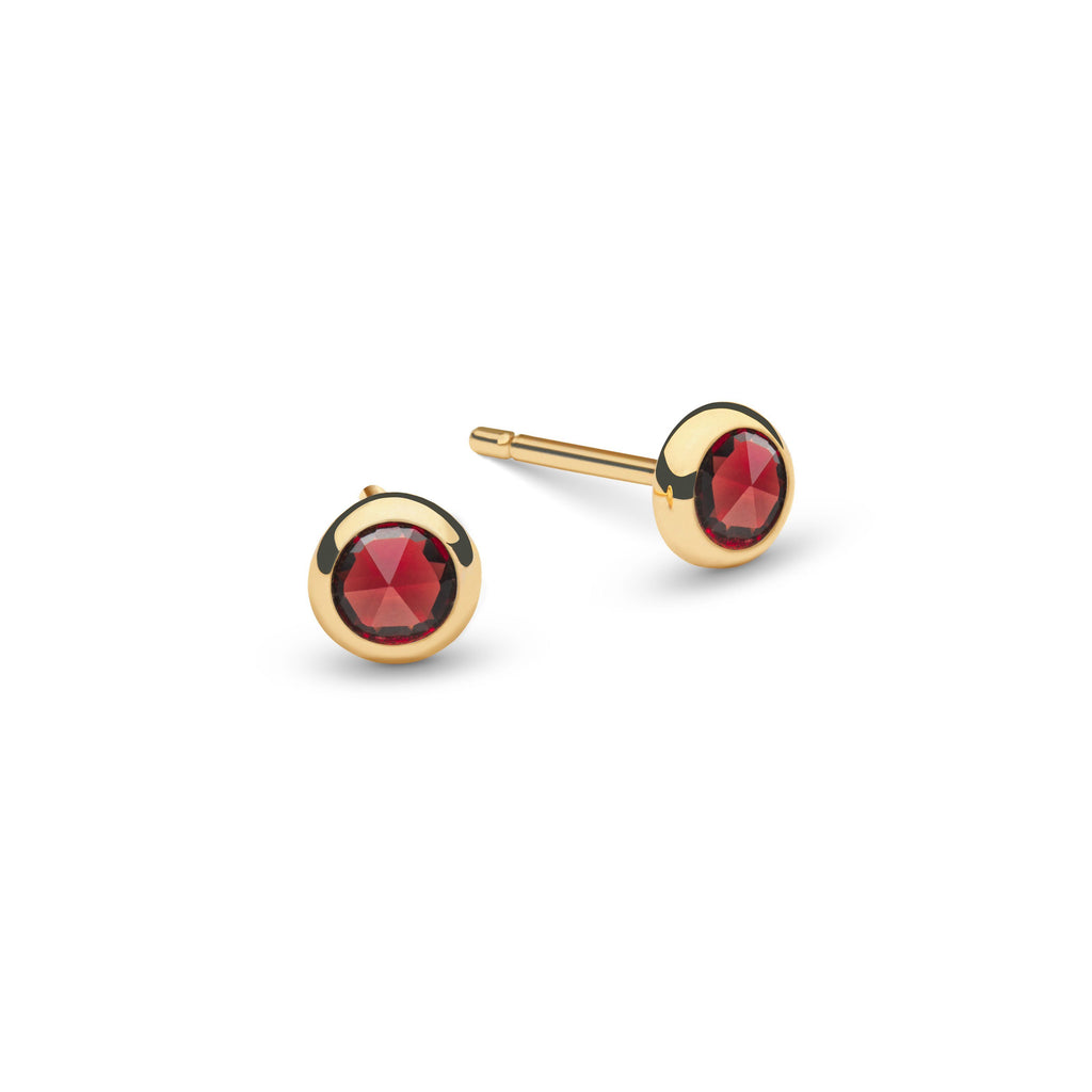 Birthstone Studs 14k Yellow Gold with Garnet (January)