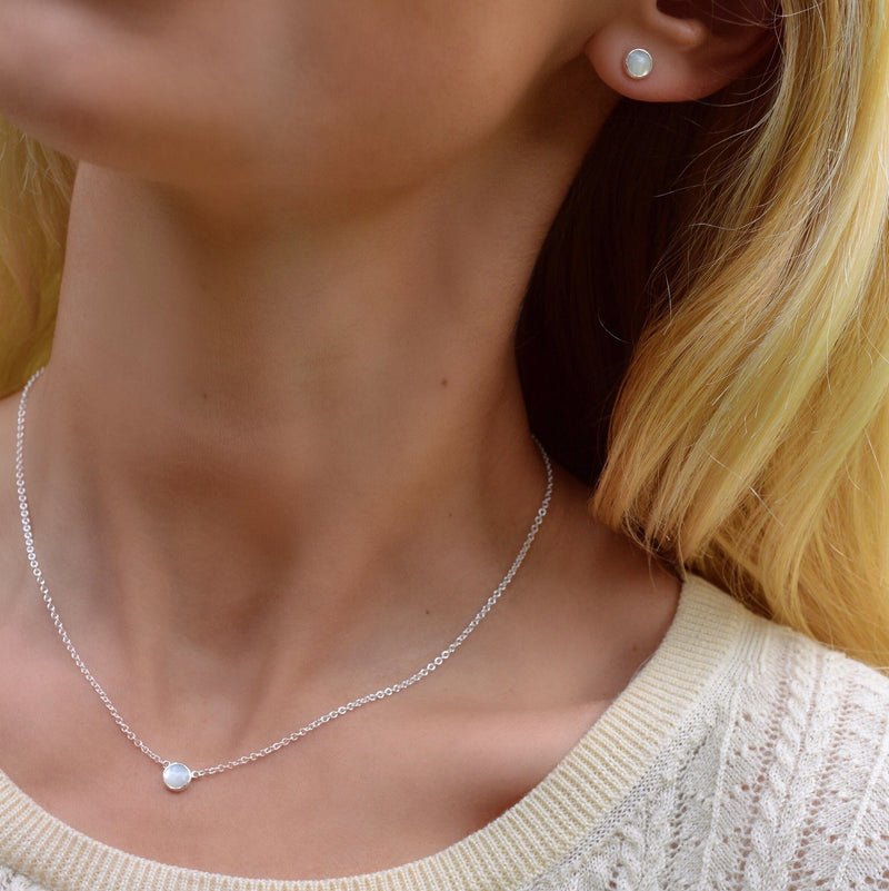 Gigi Necklace in Mother of Pearl