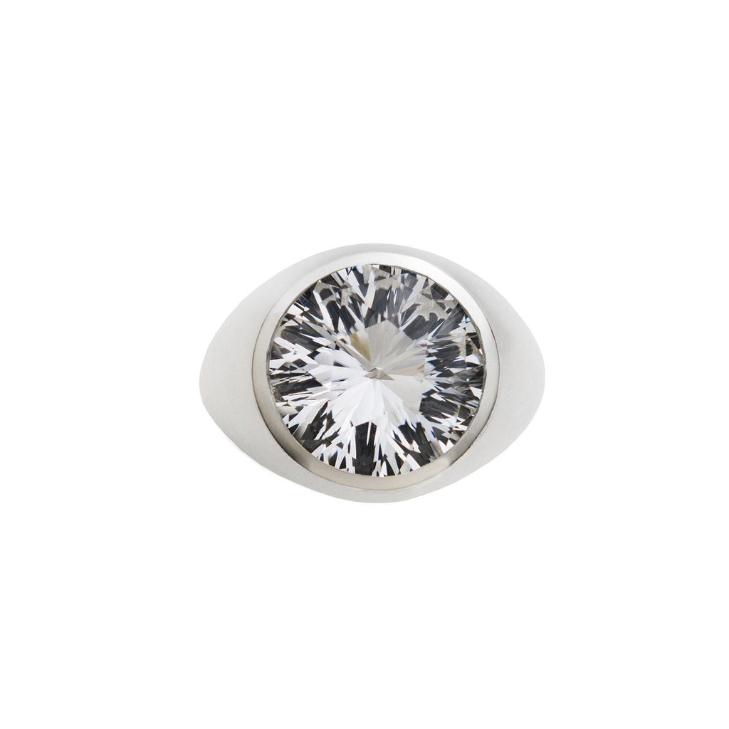 Lang Ring in White Quartz