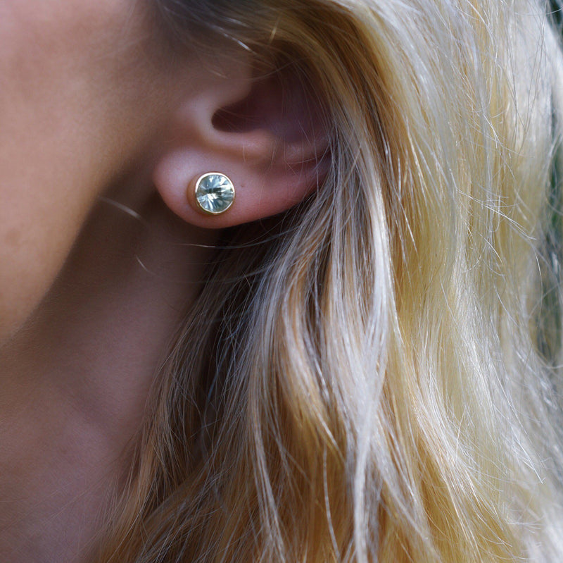 Lang Stud Earrings in 14k Yellow Gold in Green Amethyst