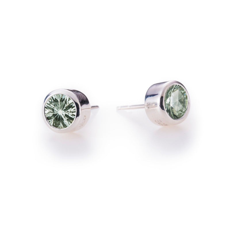 Lang Stud Earrings in Green Amethyst