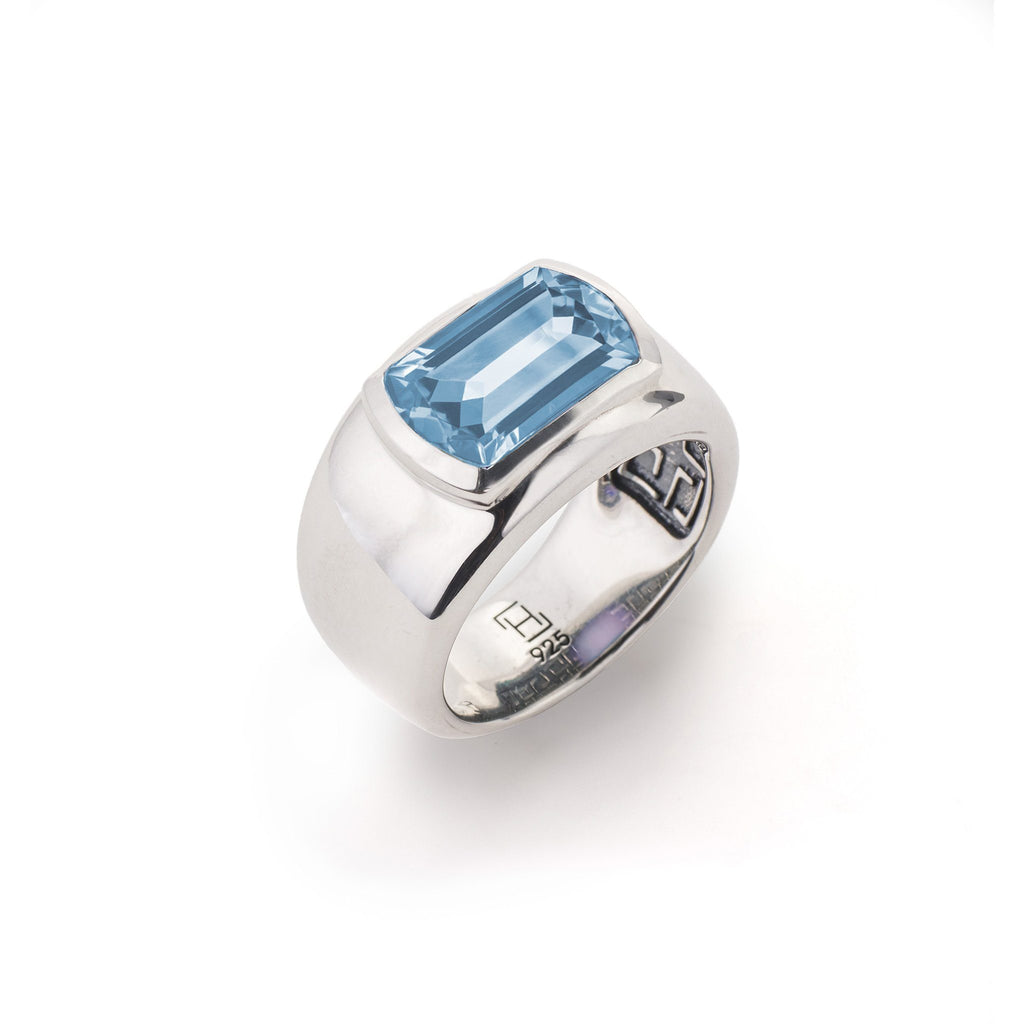Ventana Ring in Nantucket Blue Topaz