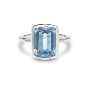Ventana Vertical Ring in Nantucket Blue Topaz