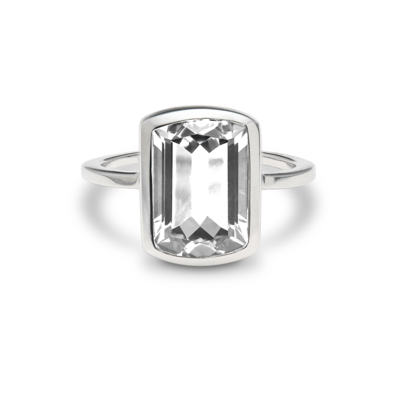 Ventana Vertical Ring in White Topaz