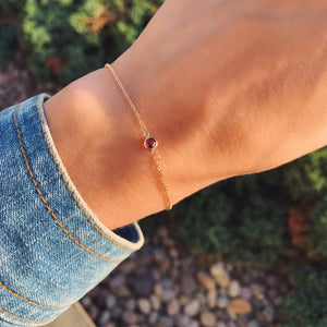 Solitaire Birthstone Bracelet 14k Gold with Garnet (January)