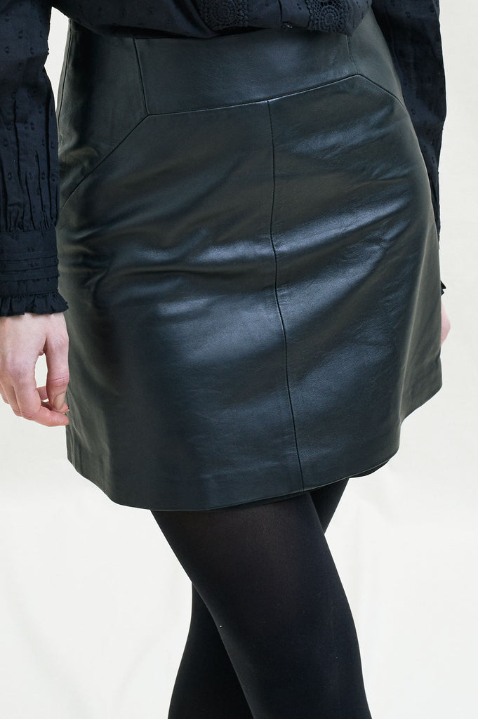 Leather A Line Skirt | Black