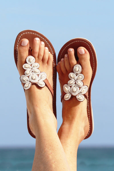 Mia Shell Sandals | White