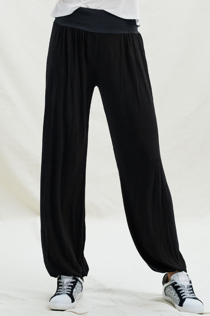 Plain Slouchies | Black