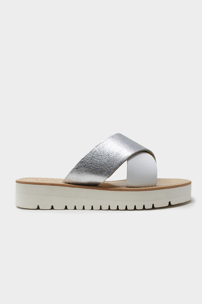 Wide Fit Cross Strap Leather Sandal | Silver - Aspiga