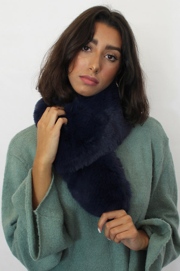 Image: large-faux-fur-collar-navy