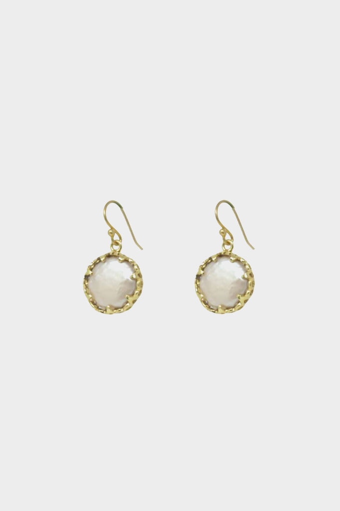 Petit St Vincent Pearl Earrings | White