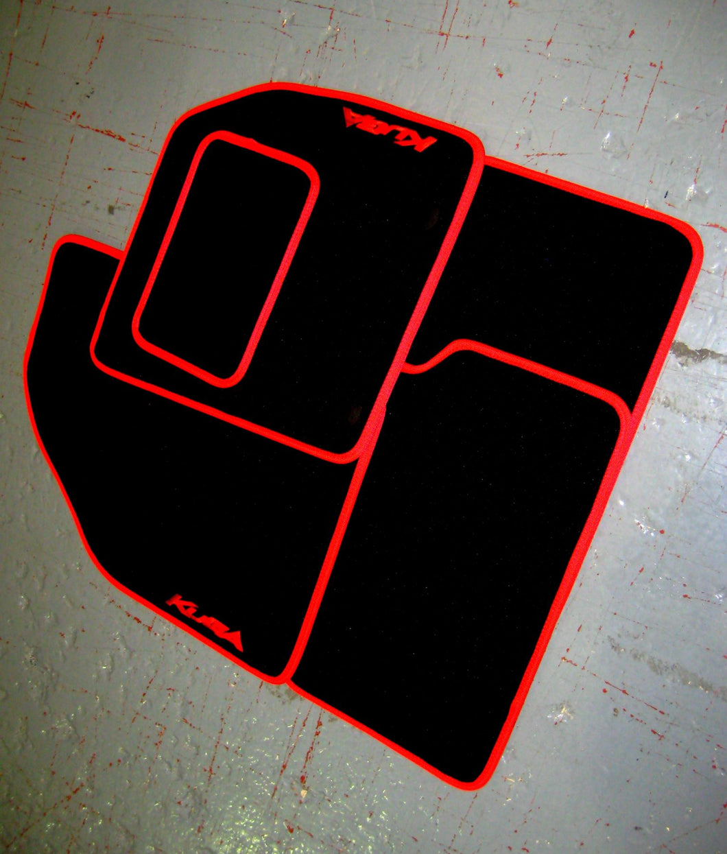 Ford Kuga Mk2 (2013-Present) Tailored Logo Car Mats + Kuga Logos
