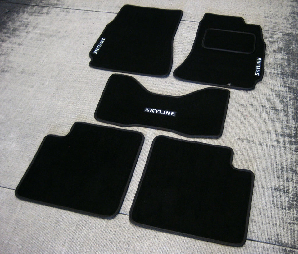 Nissan Skyline R33 (1993-1998) Tailored Logo Car Mats + Skyline Logos