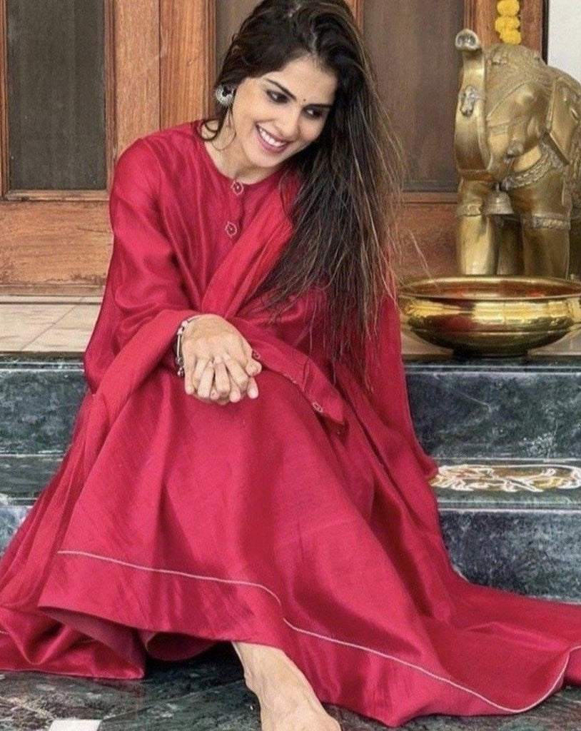 Genelia Deshmukh | Scarlet Red Set-Kurta Set-TARO INDIA-6degree.store