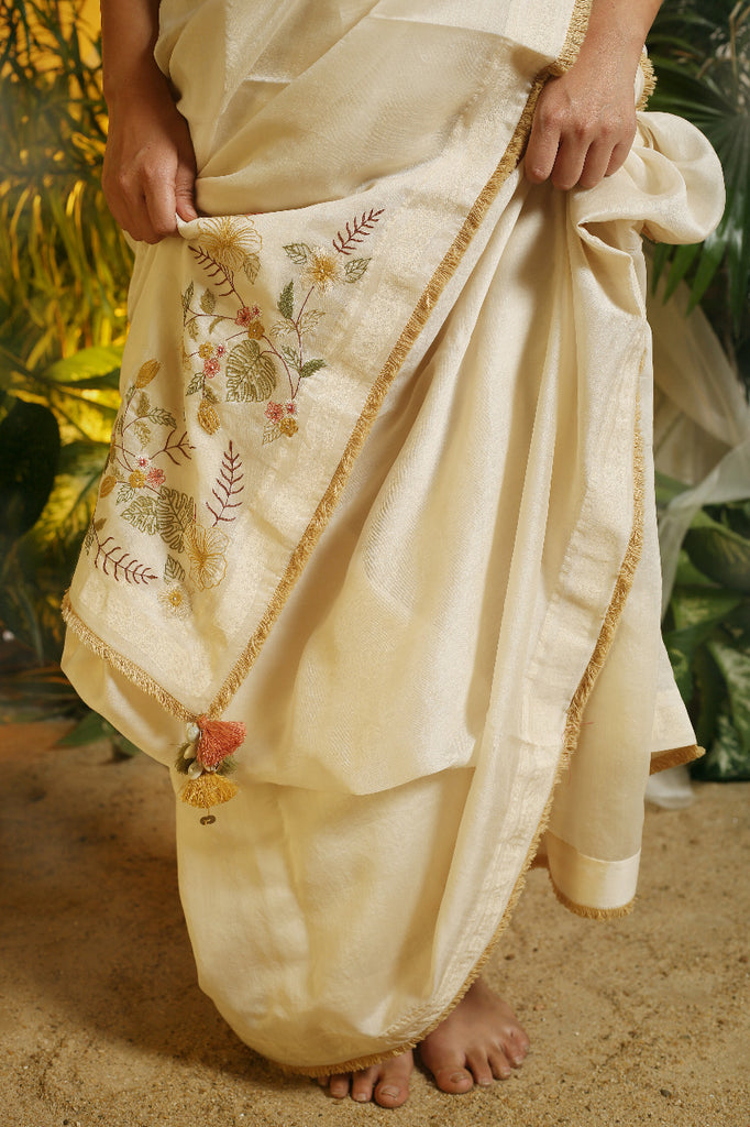 Asian Tropical Saree with Striped Blouse-Saree-CHOKHI CHORRI-6degree.store
