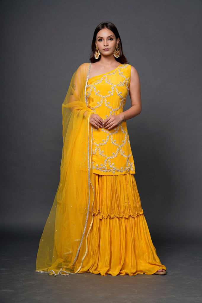 Yellow sleeveless gharara set-Gharara Set-NILOUFER BY AASIF ALLY-6degree.store