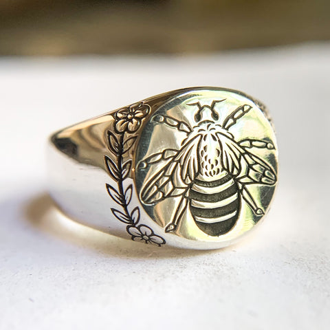 Bee Wreath Signet
