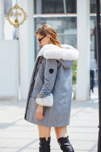 Laden Sie das Bild in den Galerie-Viewer, Pelz Parka Weiß/grau - 2018 2019 Dtg Fashion Fur Pelz-Parka-Weiss-Grau 699.00 Jolie Fur Fashion