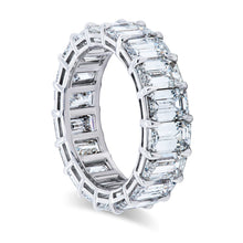 Load image into Gallery viewer, Emerald Cut Diamond Shared Prong Band