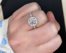 Load image into Gallery viewer, Platinum Halo Round Diamond Halo Engagement Ring